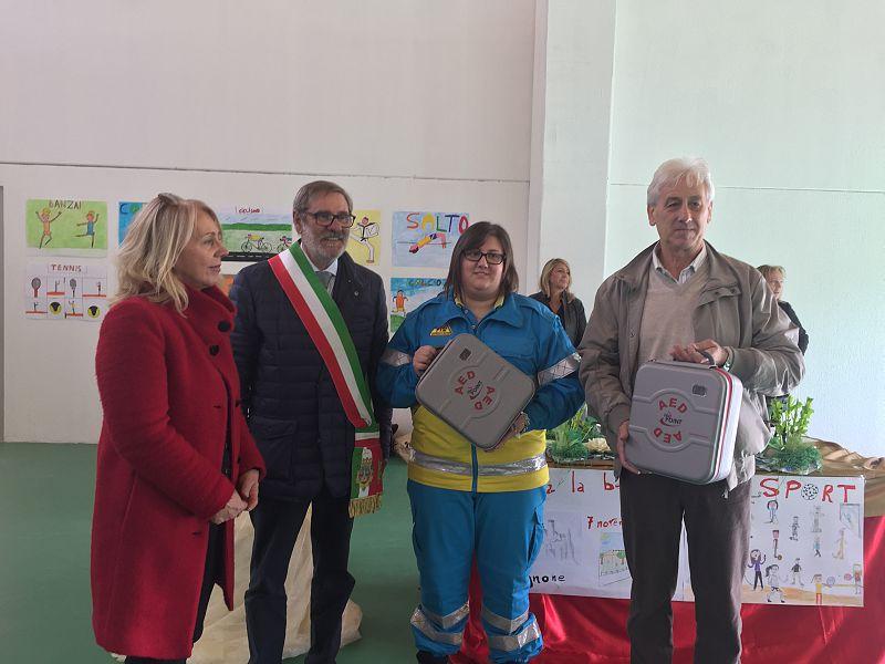 Due defibrillatori per salvare la vita deibambini
